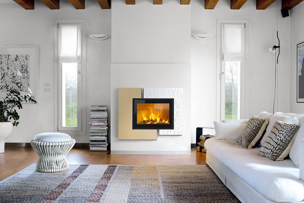 Majolica cladding for fireplace, Darwin model.